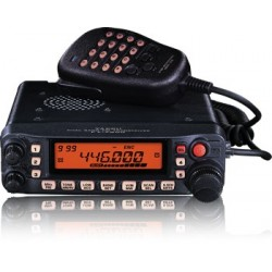 Yaesu FT-7900 transceiver